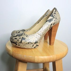 Chinese laundry snakeskin wood heel platforms 8